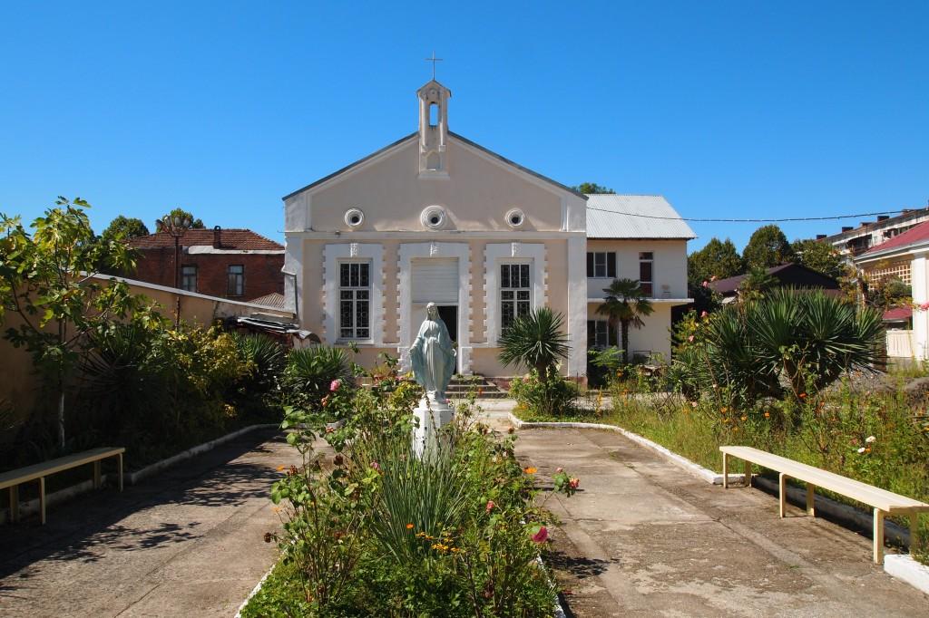 Zdjęcia: Sukhumi, Sukhumi, Jedyny w Abchazji kościół katolicki, ABCHAZJA