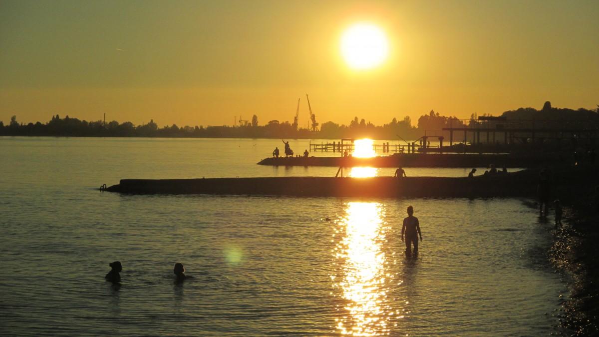 Zdjęcia: Suchumi, Rejon Suchumi, Kapięl przy zachodzącym słońcu, ABCHAZJA