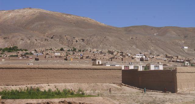 Zdjęcia: okolice Ghazni, Ghazni, osiedle, AFGANISTAN