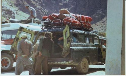 Zdjęcie AFGANISTAN / Khyber Pass / Khyber Pass / Good car