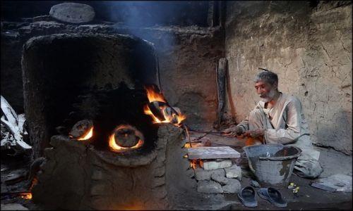 AFGANISTAN / Herat Province / Herat / szkło z Heratu