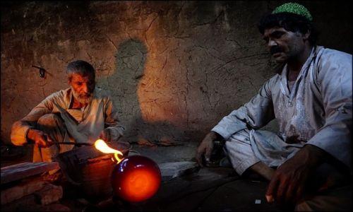 AFGANISTAN / Herat Province / Herat / szkło z Heratu 3