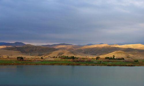 Zdjecie AFGANISTAN / Jalalabad / droga Kabul-Jalalabad / W drodze..