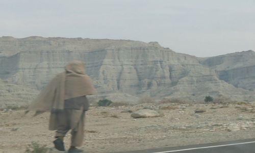 Zdjęcie AFGANISTAN / Jalalabad / droga / Jak cienie..