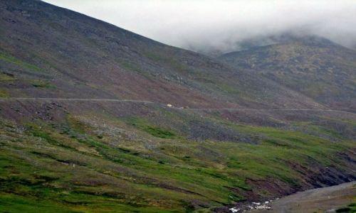 ALASKA / - / Alaska / North Slope / Brooks Range / Droga na przelecz Atigun