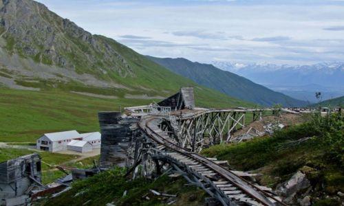 Zdjęcie ALASKA / - / Alaska / Talkeetna Mountain / kolejka w nieczynnej kopalni zlota