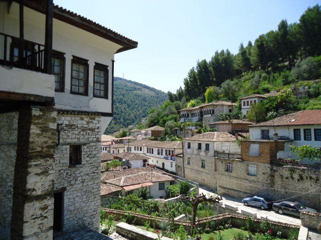 Zdjęcia: Berat, dzielnica Mangalam, Berat, Panorama miasta, ALBANIA