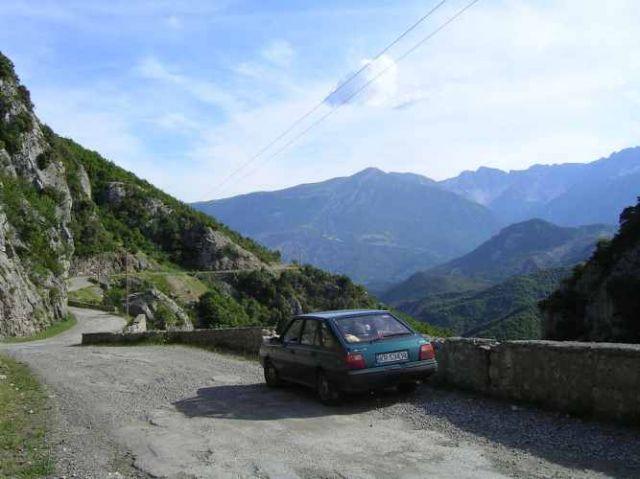 Zdjęcia: droga do Gijrokaster, Polonezem po Albanii, ALBANIA