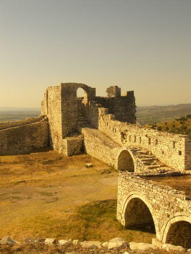 Zdjęcia: Berati, zamek na wzgórzu, ALBANIA