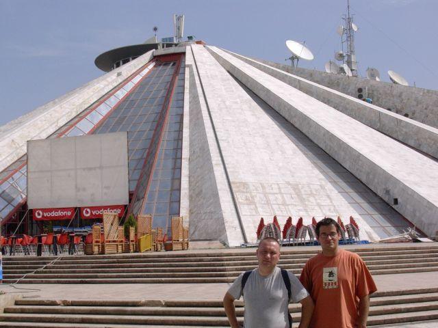 Zdjęcia: Tirana, Albania, Mauzoleum Envera Hadży- Tirana, ALBANIA