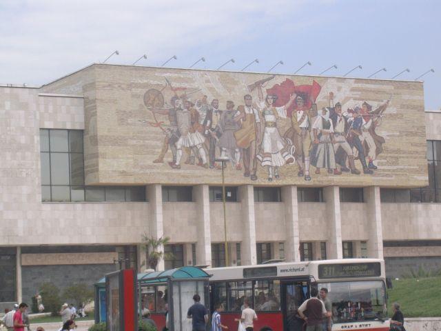 Zdjęcia: Tirana, Albania, Najsłynniejsza mozaika w Europie_ Tirana, ALBANIA