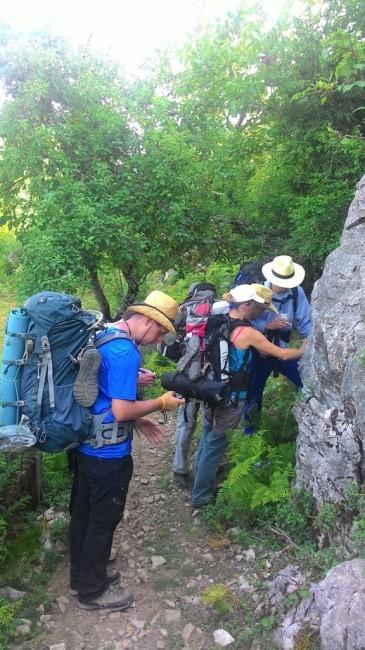 Zdjęcia: Curraj Eperm, Oznaczamy czerwony szlak turystyczny., ALBANIA