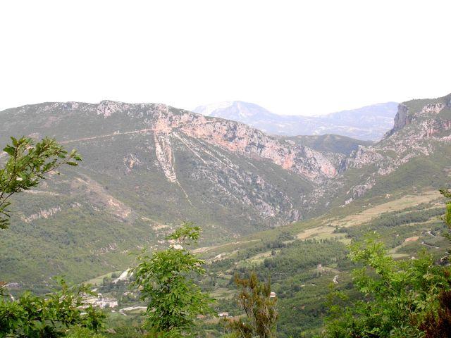 Zdjęcia: W pobliżu Tirany, Albania, Krajobraz, ALBANIA