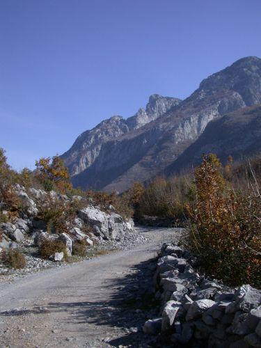 Zdjęcia: okolice Koplika, Dróżka górska, ALBANIA