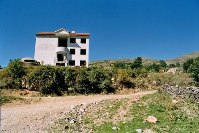 Zdj�cia: okolice Peshkopi, Bezpieczny dom, ALBANIA
