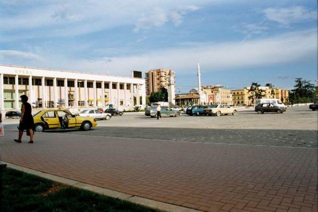 Zdjęcia: Tirana, Opera, ALBANIA