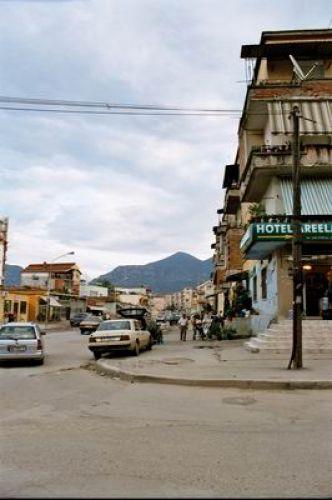 Zdjęcia: Tirana, Ulica w Tiranie, ALBANIA