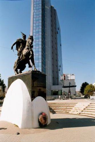 Zdjęcia: Pristina, Kosowo, Gjergji Kastriot Skanderbeg, ALBANIA
