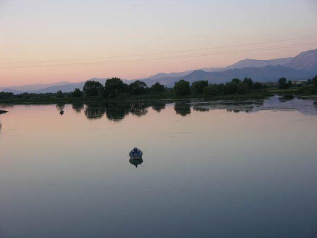 Zdjęcia: Szkoder, Wieczorny połów, ALBANIA