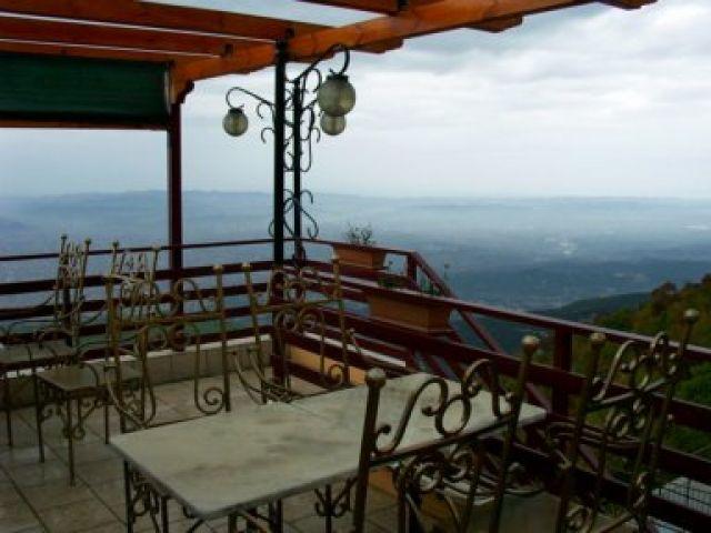 Zdjęcia: Dajti, okolice Tirany, Zasluzony odpoczynek, ALBANIA