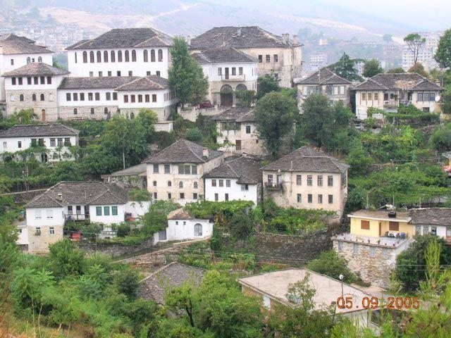 Zdjęcia: Gjirokaster, Albania, Gjirokaster - miasto kamiennych dachów, ALBANIA