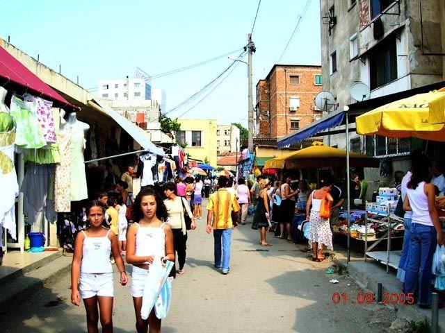 Zdjęcia: Tirana, Albania, miejski bazar, ALBANIA