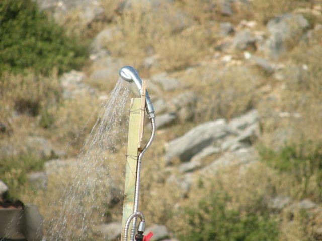 Zdjęcia: riwiera albańska, Bałkany, prysznic-taki swojski, ALBANIA