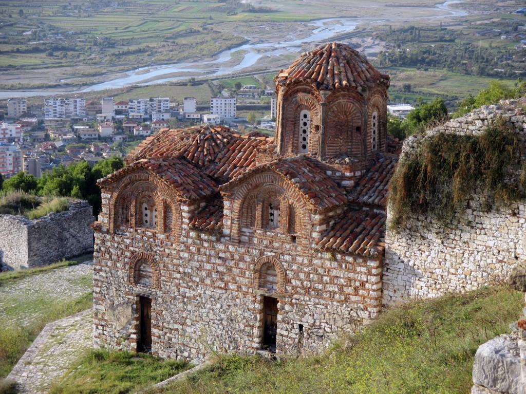 Zdjęcia: Wzgórze zamkowe, Berat, ...z rozległym widokiem, ALBANIA