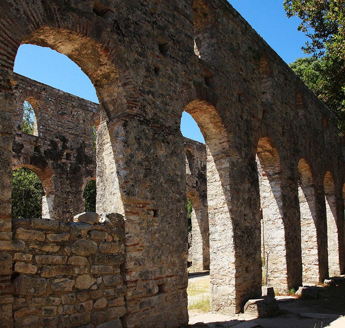 Zdjęcia: Butrint , Saranda, Wielka Bazylika z VI w, nawa, ALBANIA