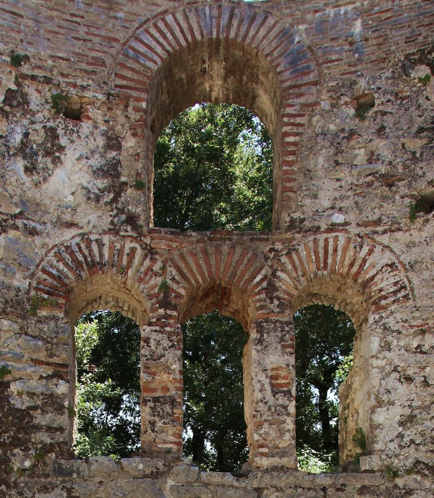 Zdjęcia: Butrint , Saranda, Okna Bazyliki, ALBANIA