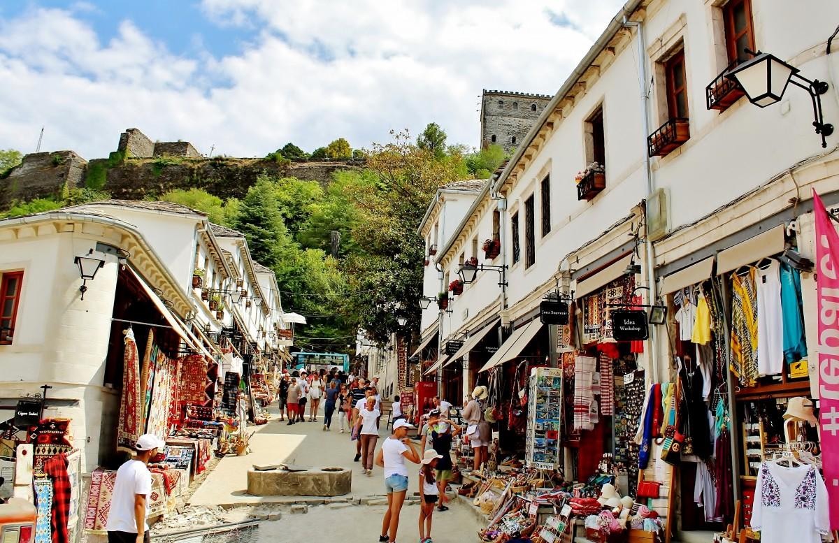 Zdjęcia: Gjirokastra, Gjirokastra, Uliczka w Gjirokastra, ALBANIA