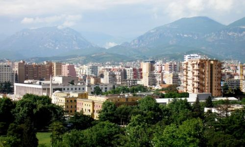 Zdjęcie ALBANIA / - / Tirana / Panorama z górami