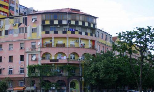Zdjęcie ALBANIA / - / Tirana / Klimaty miasta