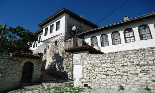 Zdjęcie ALBANIA / Berat / Berat, dzielnica Kala / Stara zabudowa