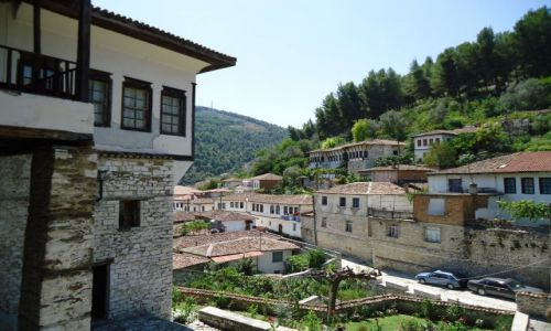 Zdjęcie ALBANIA / Berat / Berat, dzielnica Mangalam / Panorama miasta
