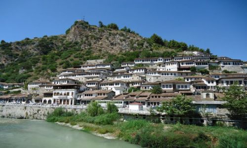 Zdjecie ALBANIA / Berat / Berat, dzielnica Mangalam / Mangalam - panorama