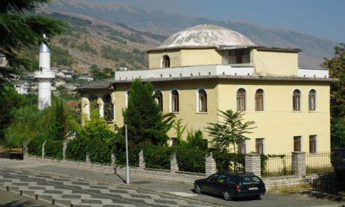 Zdjęcie ALBANIA / Gjirokaster / Gjirokaster / Meczet przerobiony na mieszkania