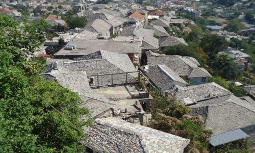 Zdjęcie ALBANIA / Gjirokaster / Gjirokaster / Kamienne dachy