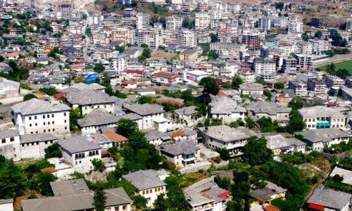 ALBANIA / południe Albanii / Gjikoastra / Kamienne miasto - Gjiokastra