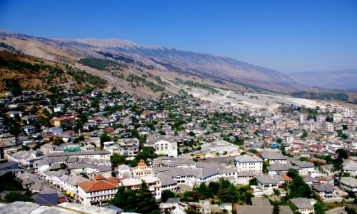 ALBANIA / po�udnie Albanii / Gjikoastra / Miasto Tysi�ca Schod�w - Gjiokastra