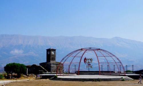 ALBANIA / po�udnie Albanii / Gjikoastra / W twierdzy - Gjiokastra
