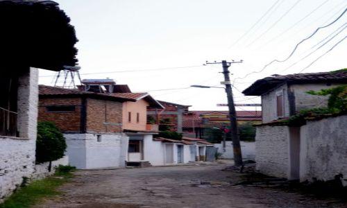 ALBANIA / Elbasan / Elbasan / uliczka