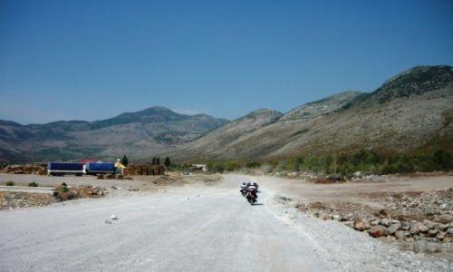 ALBANIA / Shkoder-Tirane / Shkoder-Tirane / Drogi Albanii