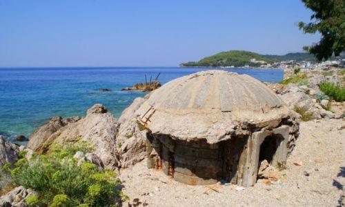 Zdjecie ALBANIA / Środkowe wybrzeże / Himare / Schron