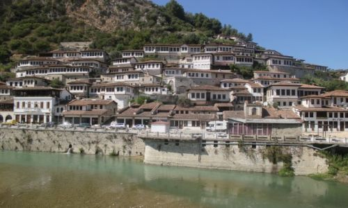 Zdjecie ALBANIA / Berat / Berat / Miasto tysiąca okien