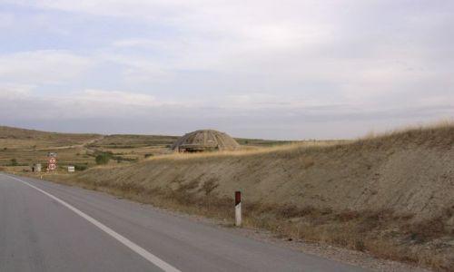Zdjecie ALBANIA / Albania / Albania / Bunkry, dużo bunkrów-Albania
