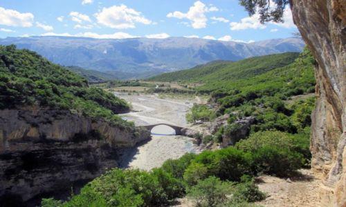 ALBANIA / Okolice wsi Benje / Wlot kanonu rzeki Rruga e Benjes / Synergia