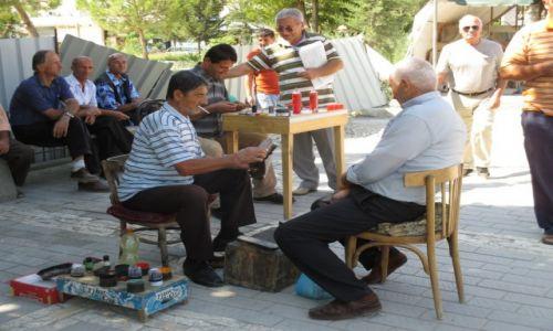 ALBANIA / Berat / Centrum / Buty jak nowe