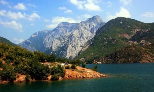 Zdjęcie ALBANIA / Szkodra / Jezioro Koman  / Albańskie fiordy