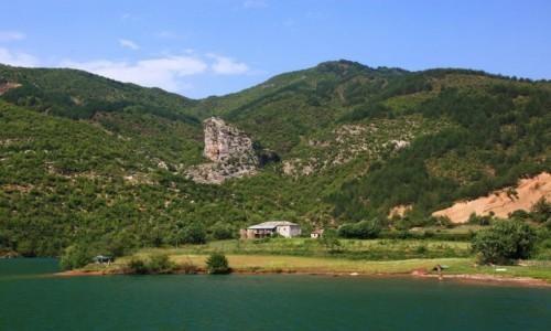 Zdjęcie ALBANIA / Kukes / Jezioro Koman  / Z życia górali